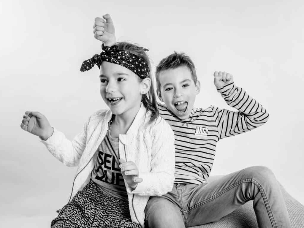 Kinder fotografie vrolijk fotograaf fotografie kinderfotografie lachebekjes schoolfotografie mooi gezellig fotostudio jonge mensen